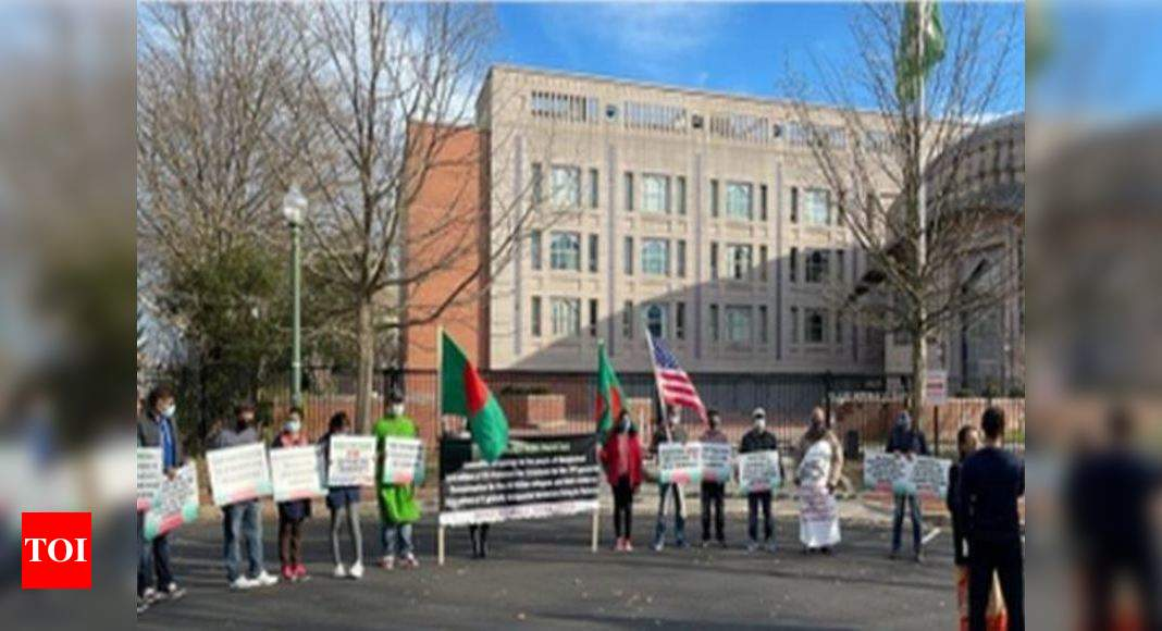 Protest outside Pak mission in Washington, demonstrators demand apology for 1971 Bangladesh genocide - Times of India